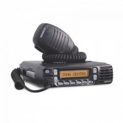 Radio Móvil UHF, 400-470 MHz, 30 Watts, 512 Canales. Opera en Modo Digital y FM Analógico.